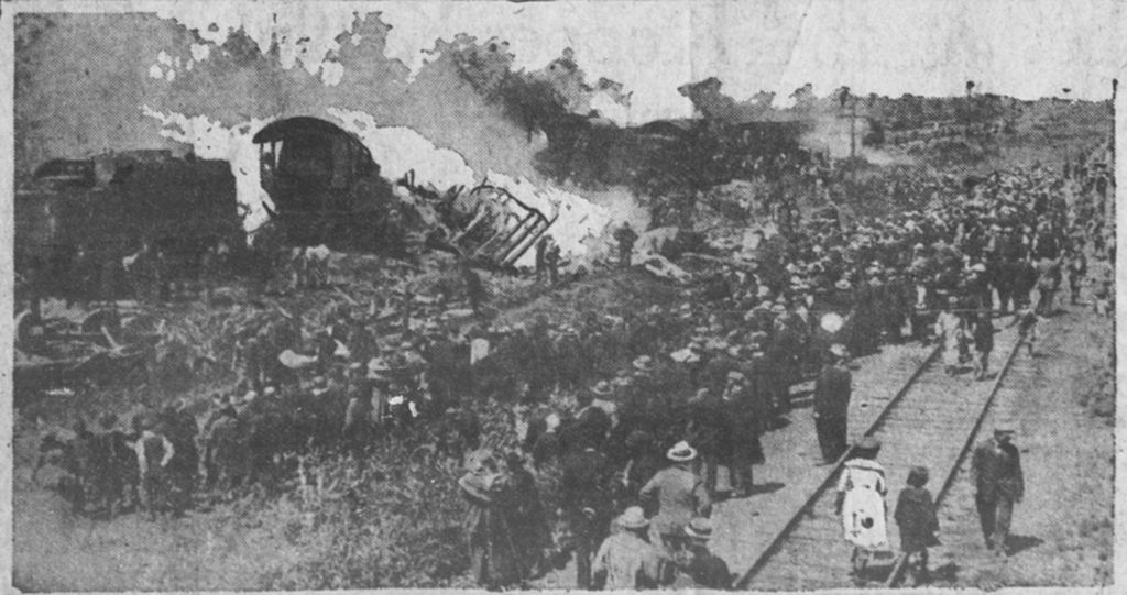 800px-Train_wreck_at_Hammond_Circus_Train_Wreck,_at_Hammond,_Indiana_June_22,_1918-done