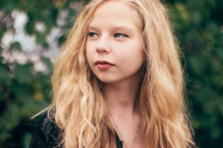 Lydia-Briggs-headshot-horz2-done